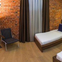 Дизайн-отель Brick 4* Улучшенный номер с 2 отдельными кроватями фото 2
