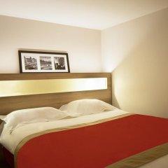 Отель KYRIAD PARIS EST - Bois de Vincennes 3* Улучшенный номер с двуспальной кроватью