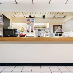 Отель Travelodge by Wyndham Chambersburg США, Чемберсберг - отзывы, цены и фото номеров - забронировать отель Travelodge by Wyndham Chambersburg онлайн питание фото 2
