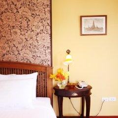 Отель The Road Feung Nakorn Бангкок комната для гостей фото 2
