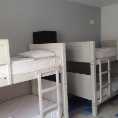Отель Hostal Nacional Кровать в общем номере с двухъярусной кроватью