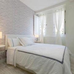 Отель Book in Madrid Cascorro Deluxe Мадрид комната для гостей фото 4