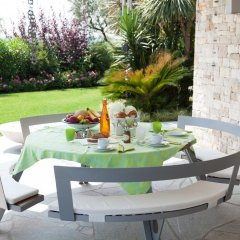 Отель Villa Benedita Италия, Манерба-дель-Гарда - отзывы, цены и фото номеров - забронировать отель Villa Benedita онлайн питание