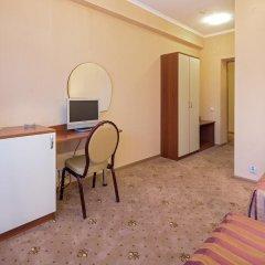 Гостиница Бригантина 3* Стандартный семейный номер с двуспальной кроватью фото 6
