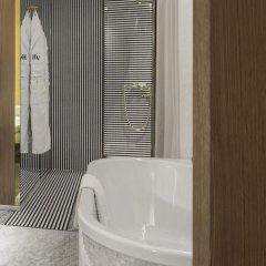 Отель Hôtel Vernet 5* Улучшенный номер с различными типами кроватей фото 6