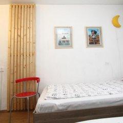 Хостел BedAndBike комната для гостей фото 3