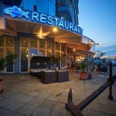 Отель Family Hotel Regata Болгария, Поморие - отзывы, цены и фото номеров - забронировать отель Family Hotel Regata онлайн вид на фасад фото 6