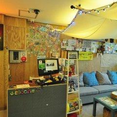 Отель Backpackers Inside Кровать в мужском общем номере с двухъярусной кроватью фото 7