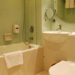 Отель Wharney Guang Dong Hong Kong 4* Улучшенный номер с различными типами кроватей фото 7