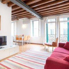 Отель Art Apartments Venice Италия, Венеция - отзывы, цены и фото номеров - забронировать отель Art Apartments Venice онлайн комната для гостей фото 3