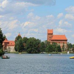 Отель R&R Spa Villa Trakai Литва, Тракай - отзывы, цены и фото номеров - забронировать отель R&R Spa Villa Trakai онлайн приотельная территория фото 2