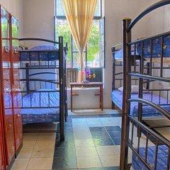Отель Hostal de Maria Кровать в мужском общем номере с двухъярусной кроватью фото 5