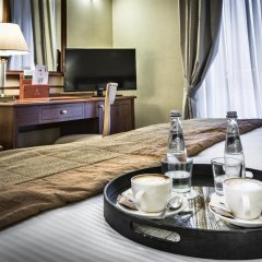 Hotel Dei Cavalieri 4* Номер Бизнес с двуспальной кроватью