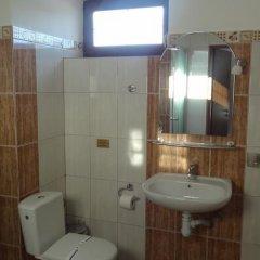 Гостиница Альпийский Двор Украина, Волосянка - 1 отзыв об отеле, цены и фото номеров - забронировать гостиницу Альпийский Двор онлайн ванная фото 2