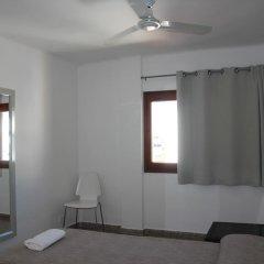 Отель Hostal Las Nieves Стандартный номер с различными типами кроватей (общая ванная комната) фото 23