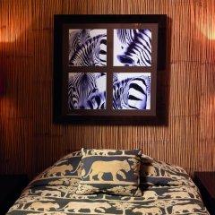Отель Globe et Cecil Hôtel 4* Стандартный номер с двуспальной кроватью