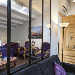 Отель El Petit Palauet Люкс с различными типами кроватей фото 9