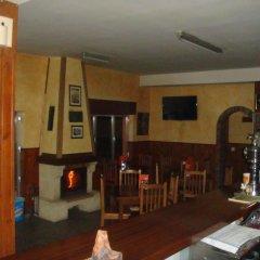 Отель Hostal Poncebos Испания, Кабралес - отзывы, цены и фото номеров - забронировать отель Hostal Poncebos онлайн интерьер отеля
