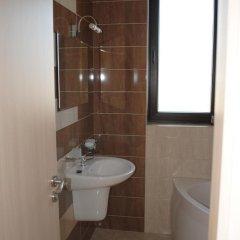 Отель Maria and Plamena Houses Болгария, Дюны - отзывы, цены и фото номеров - забронировать отель Maria and Plamena Houses онлайн ванная