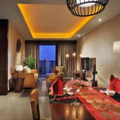 Отель Serenity Coast All Suite Resort Sanya в номере фото 2