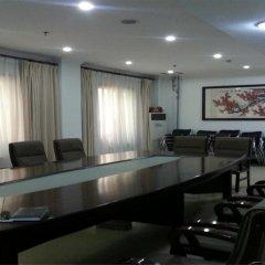 Отель Beijing Qinglian Furun Hotel Niujie Branch Китай, Пекин - отзывы, цены и фото номеров - забронировать отель Beijing Qinglian Furun Hotel Niujie Branch онлайн помещение для мероприятий фото 2