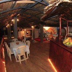 Отель Surfing Beach Guest House Шри-Ланка, Хиккадува - отзывы, цены и фото номеров - забронировать отель Surfing Beach Guest House онлайн питание