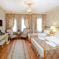 Отель White House Istanbul Стандартный семейный номер с двуспальной кроватью
