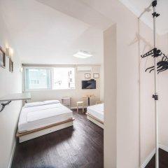 Хостел Itaewon Inn Стандартный номер с двуспальной кроватью фото 6