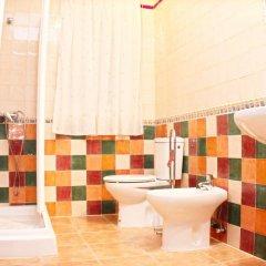 Отель Chalet Arroyo Испания, Кониль-де-ла-Фронтера - отзывы, цены и фото номеров - забронировать отель Chalet Arroyo онлайн ванная