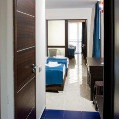 Гостиница Мармарис Стандартный семейный номер с 2 отдельными кроватями фото 9