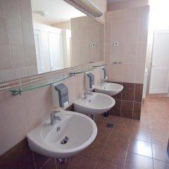 Youth Hostel Zagreb Стандартный номер с различными типами кроватей (общая ванная комната) фото 10