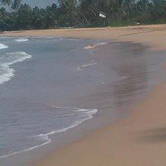 Отель Brian's Homestay Balapitiya пляж