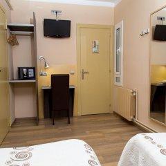 Отель Hostal Barcelona Стандартный номер с различными типами кроватей фото 2