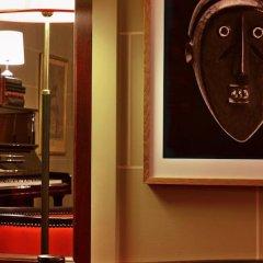 Hotel Carlton Lyon - MGallery By Sofitel сейф в номере