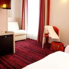 Отель Hôtel Le Richemont 3* Улучшенный номер с двуспальной кроватью фото 6