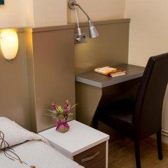 Отель Hostal Barcelona Стандартный номер с различными типами кроватей фото 8