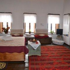 Отель Bujtina Kodiket Guesthouse Номер Комфорт с различными типами кроватей фото 5