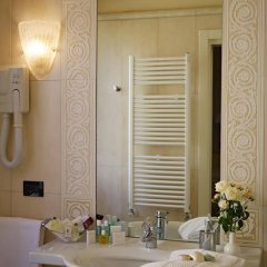 Отель Carlton Capri 3* Улучшенный номер с различными типами кроватей фото 3