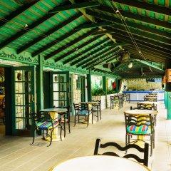 Отель Doctors Cave Beach Hotel Ямайка, Монтего-Бей - отзывы, цены и фото номеров - забронировать отель Doctors Cave Beach Hotel онлайн питание фото 2