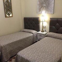 Отель Hostal Lojo Испания, Кониль-де-ла-Фронтера - отзывы, цены и фото номеров - забронировать отель Hostal Lojo онлайн комната для гостей фото 5