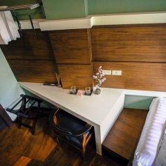 Отель Tha Tian Store Бангкок комната для гостей фото 3