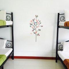 Отель Dd Guesthouse & Backpacker Кровать в общем номере фото 9
