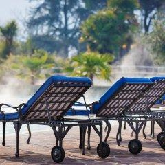 Отель Radisson Blu Majestic Hotel Galzignano Италия, Региональный парк Colli Euganei - отзывы, цены и фото номеров - забронировать отель Radisson Blu Majestic Hotel Galzignano онлайн бассейн фото 4