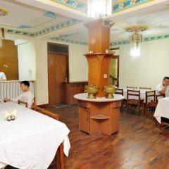 Отель Acme Guest House Непал, Катманду - отзывы, цены и фото номеров - забронировать отель Acme Guest House онлайн гостиничный бар