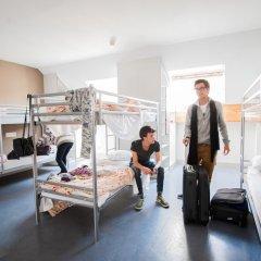 Jacques Brel Youth Hostel Кровать в общем номере фото 2