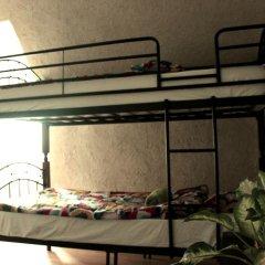 Хостел Джон Леннон Кровать в общем номере с двухъярусными кроватями