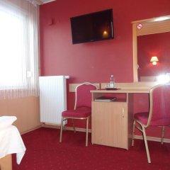 Hotel Atlantis 2* Стандартный номер с 2 отдельными кроватями фото 12