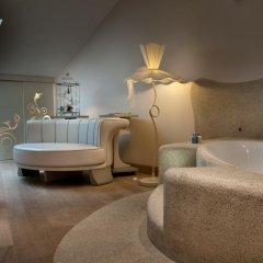 Отель Château Monfort 5* Люкс с различными типами кроватей фото 4