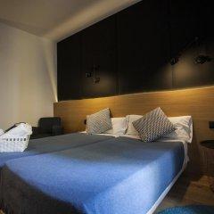 Отель Hostal CC Malasaña Улучшенный номер с различными типами кроватей фото 12