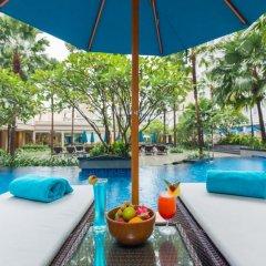 Отель Grand Mercure Phuket Patong 5* Улучшенный номер с двуспальной кроватью